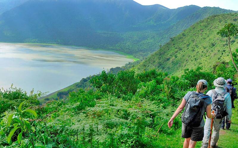 tanzania walking safari africa
