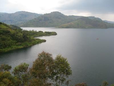 lake burera rwanda