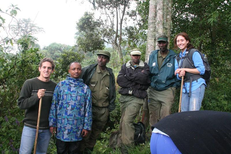 track gorillas of Africa